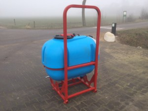 basismachine tank met frame (1)
