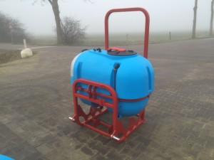 basismachine tank met frame (2)